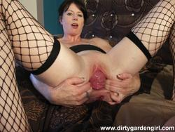 [DirtyGardenGirl] Double fist and pussy prolapse