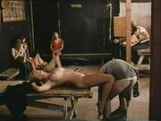 На Стоянке В Публичном Порно Сандра Сосала Писающий Хуй Дальнобойщику, Сидя Под Одним Из Грузовиков Смотреть