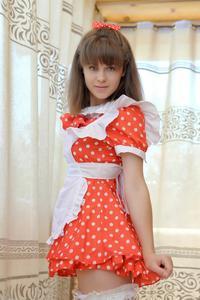 http://img259.imagevenue.com/loc257/th_105081248_tduid300163_Silver_Sandrinya_maid_1_052_122_257lo.JPG