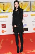 th_38840_celebrity_paradise.com_Lena_Meyer_Landrut_46_Goldene_Kamera_Berlin_05.02.2011_42_122_259lo.jpg