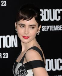 Лили Коллинз, фото 552. Lily Collins 'Abduction' Los Angeles Premiere at Grauman's Chinese Theatre on September 15, 2011 in Hollywood, California, foto 552