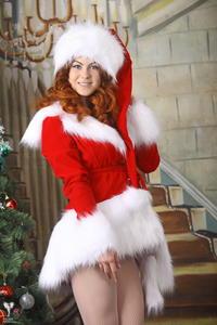 http://img259.imagevenue.com/loc388/th_531022274_silver_angels_Sandrinya_I_Christmas_1_009_123_388lo.jpg