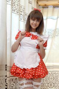 http://img259.imagevenue.com/loc524/th_105037605_tduid300163_Silver_Sandrinya_maid_1_044_122_524lo.JPG
