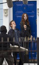 Карен Гиллан, фото 142. Karen Gillan - On The Set Of Doctor Who In Cardiff - 4/5/12, foto 142