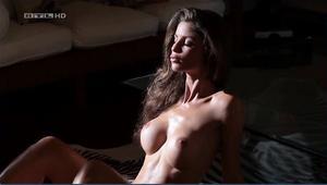 Nackt alissa harouat Alissa Harouat